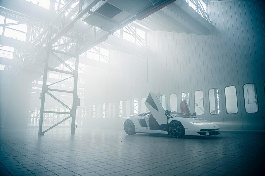 Lamborghini Countach LPI 800-4 2021